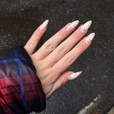 beauty designs for almond nails shape 50 Cute Nails, Pretty Nails, My Nails, Summer Acrylic Nails, Summer Nails, Minimalist Nails, Dream Nails, Rainbow Nails, Stylish Nails