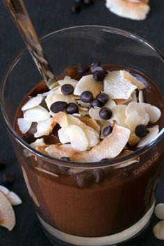 Chocolate Almond Smoothie (vegan, dairy-free, grain-free, and gluten-free) #TastesLikeBetter @lovemysilk #ad