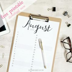 Want to get organised? Download this free printable August 2016 planner right now. Perfect for any girlboss, ladyboss or momboss that needs some organisation and inspiration in their lives. Click to download!