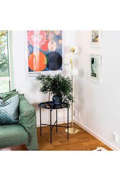 SANDSTEN Gulvlampe STURÖD - Gull - Hjem & innredning - Ellos.no Gallery Wall, Frame, Glass, Home Decor, Design, Living Room, Metal, Picture Frame, Decoration Home