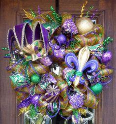 Mardi Gras Deco Mesh Wreaths | Deluxe Deco Mesh MARDI GRAS Wreath with Large Mardi Gras MASK