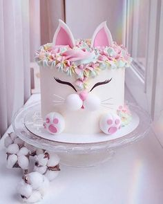Secrets To A Perfect Cake on How cute is this Love the details. Secrets To A Perfect Cake on How cute is this Love the details. This cat looks so adorable! Cute Cakes, Pretty Cakes, Animal Cakes, Birthday Cake Girls, Hello Kitty Birthday Cake, Birthday Cards, Girl Cakes, Creative Cakes, Celebration Cakes