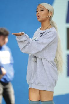 Ariana Grande Wore Her Hair in a Low Ponytail and Fans Can't Handle It