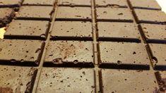 Wenn man versucht eine vegane und glutenfreie Schokolade zu kaufen, dann stellt man fest, es am Ende einfacher ist Schokolade selber machen zu können.