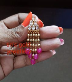 Saved by radha reddy garisa Beaded Jewelry Designs, Gold Earrings Designs, Gold Jewellery Design, Bead Jewellery, Jewelry Patterns, Necklace Designs, Gold Jewelry, Gold Jhumka Earrings, Indian Jewelry Earrings