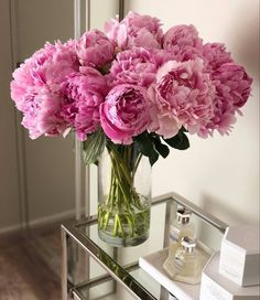 Flowers Nature, My Flower, Fresh Flowers, Beautiful Flowers, Cactus Plante, Flower Aesthetic, Pink Peonies, Peony, Flower Decorations