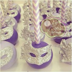 Mardi Gras Cake Pops by Marie Evans -- make the masks out of fondant and edible glitter (I'd use gold masks on purple and green pops) Masquerade Cakes, Masquerade Ball Party, Sweet 16 Masquerade, Masquerade Wedding, Masquerade Theme, Masquerade Centerpieces, Venetian Masquerade, Venetian Masks, Cake Pops