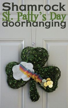 St Patty's Day Shamrock doorhanging in less than 30 minutes!
