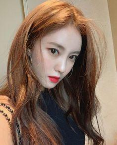 Park Jiyeon, Korean Star, Selfie, Kpop Girls, Beautiful Women, Female, Lady, Instagram Posts, Beauty