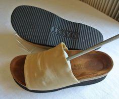 cca1620f796  130 Women s 38 US 7.5 M Naot Tampa Tan Beige Slide Sandals Shoes Comfort  Cork