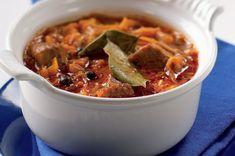 Segedínský guláš Goulash, Stew, Casserole, Chili, Favorite Recipes, Healthy Recipes, Meat, Cooking, Food