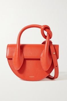 Scarlet leather (Cow) Snap-fastening front flap Comes with dust bag Weighs approximately Made in Spain Moon Shapes, Orange Crush, Saddle Bags, Fashion Bags, Knots, Shopping Bag, Dust Bag, Shoulder Strap, Satchel
