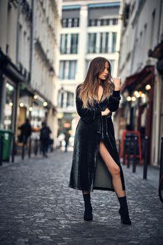 #velvetdress #robe #velours #fishnet #sockboots #bottineschaussettes #mode #fashion #sexy