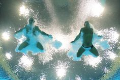 Tom Daley (R) and Peter Waterfield of Great Britain compete in the Men's Synchronised 10m Platform Diving on Day 3 of the London 2012 Olympic Games at the Aquatics Centre on July 30, 2012 in London, England.
