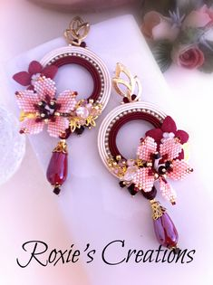 #flowerearrings #soutacheearrings #hoopearrings #cherryblossoms #shinyearrings #summerearrings #embroideredearrings #amaranthearrings #bohoearrings #maxiearrings #madeinitaly #cheerfulearrings #ooak