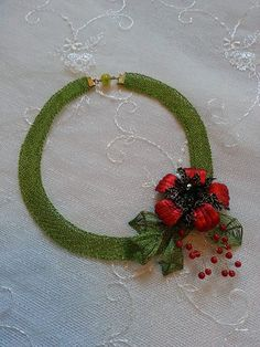 Halskette aus gehäkeltem Draht mit Ganutell und von BeadStArt