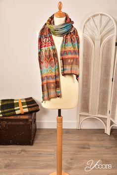 IVKO sjaal (Y161084) -- Aangeboden door yooors.nl ---- Katoenen Ivko sjaal in aardetinten. 225 cm lang en 20 cm breed.