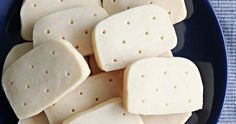 Shortbread Cookies, a rich buttery delicious, melt in mouth cookies !!! It's a traditional Scottish cookies made from butter, flour & sugar and it's named so because of its crumbly texture not stretchy or chewy. Delicious Cookie Recipes, Easy Cookie Recipes, Yummy Cookies, Bread Recipes, Baking Recipes, Yummy Food, French Cookies, Basic Cookies, Buttery Cookies