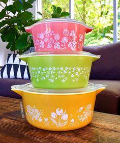 Pyrex Vintage Pyrex Dishes, Antique Dishes, Vintage Kitchenware, Vintage Bowls, Vintage Glassware, Vintage Tins, Design Lounge, Chair Design, Design Design