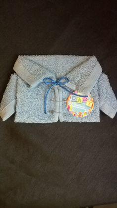 Camisola hecha con toalla facial Recuerdo de Baby Shower