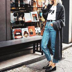 Hashtag Karl, hashtag t-shirt 👌🏼 w/ @karllagerfeld 📷: 📷: @mashasedgwick #karllagerfeld #tshirt #jeans #casual #cool #cozy #fall #streetstyle #ootd #outfitoftheday #lookoftheday #fashion