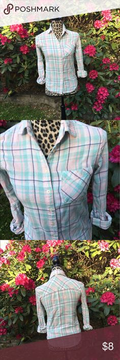 Aeropostale button-up No flaws Aeropostale Tops Button Down Shirts