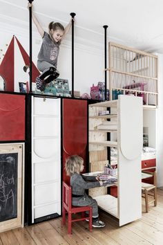 Big Solutions for Small Spaces http://petitandsmall.com/big-solutions-small-spaces-kids-room/