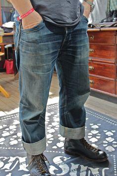 Authentically Worn In Jeans at Bread & Butter Loose Fit Jeans, Faded Jeans, Dark Jeans, Blue Jeans, Unisex Fashion, Denim Fashion, Urban Fashion, Raw Denim, Denim Men