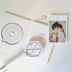 Baekyun is a sweety🍥 K Pop, Lightstick Exo, Exo Merch, Exo Album, Exo Ot12, Album Book, Kpop Aesthetic, Kyungsoo, Kpop Groups