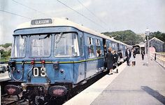 """Blue Train at Milngavie From the 1960 booklet """"Glasgow Electric"""" introducing Glasgow's new """"Blue"""" trains Train Posters, Railway Posters, Electric Locomotive, Diesel Locomotive, Electric Train Sets, Electric Blue, Third Rail, Hobby Trains, Blue Train"""