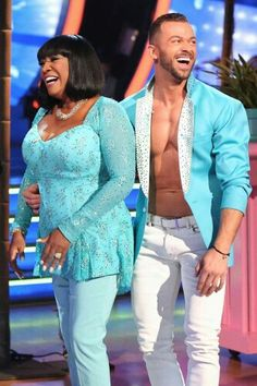 "Dancing With the Stars - Patti LaBelle & Artem Chigvintsev & Patti LaBelle danced a Paso Doble to Santana & Pitbull's ""Oye 2014"" - Season 20 - week-3 'Latin Night' - Spring 2015 - score - 6+5+5+6 = 22"