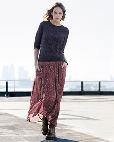 Mix it up with a maxi skirt, sweater and boots. Diy Fashion, Winter Fashion, Fashion Outfits, Womens Fashion, Maxi Skirt Winter, Vintage Style, Vintage Fashion, Leopard Print Skirt, Flowing Dresses