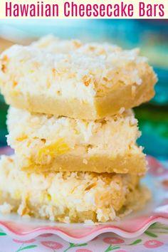 Hawaiian Cheesecake Bars - The Kitchen Magpie Pineapple Cheesecake, Pineapple Desserts, Coconut Cheesecake, Cheesecake Bars, Cheesecake Recipes, Pineapple Coconut, Pineapple Recipes, Hawaiian Dessert Recipes, Luau Desserts