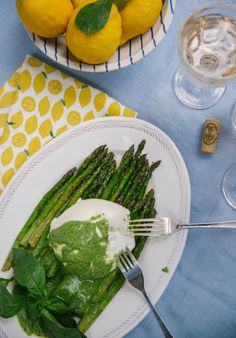 Spring Asparagus with Creamy Burrata & Pesto – The Londoner