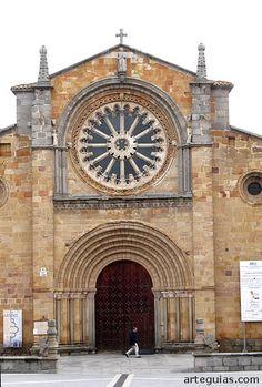 Fachada occidental de San Pedro de Ávila