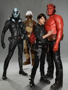 A gallery of Hellboy II: The Golden Army publicity stills and other photos. Featuring Ron Perlman, Doug Jones, Selma Blair, James Dodd and others. Ron Perlman Movies, Hellboy Movie, Golden Army, Selma Blair, Liz Sherman, Fantasy Movies, Fantasy Art, Movie Costumes, Carnival Costumes