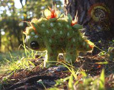Все интересное в искусстве и не только. Ли Кросс, талантливый скульптор, которая живет на Аляске, освоила ремесло создания плюшевых животных, и выглядят они у нее убедительно реалистично. Ли работает уже 12 лет, ее чудесные создания пользуются любовью и, конечно, спросом. Она любит фентези, много читает и в буйных сказочных лесах ее любимых книг черпает свое вдохновение. Она с говорит, что никогда не училась изобразительному искусству, но это ей не мешает создавать удивительно гармоничные…
