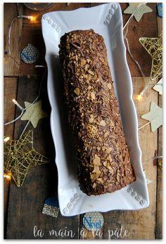 Bûche à base de biscuit roulée et de mousse au chocolat