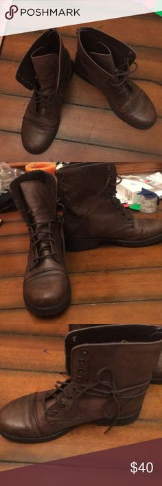 Steve Madden combat boots Back zipped  Lace up  Brown leather  Size 9  Excellent condition like new  Option to tie half up or lace all the way up Steve Madden Shoes Combat & Moto Boots