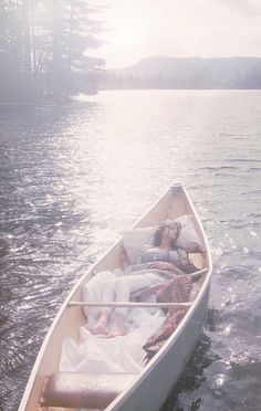 afternoon naps in a canoe Bring the bedding outside in different relaxing places.the boat, a tree, etc. The Lady Of Shalott, Josie Loves, Photocollage, Mario Testino, Just Dream, Solitude, Photos, Pictures, Photographs