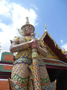 ✮ Grand Palace Yaak guards the entrance to the Grand Palace - Thailand