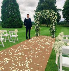 """Tanya Burr & Jim Chapman Get Married: """"Happiest Day of My Life!"""" (PHOTOS"""