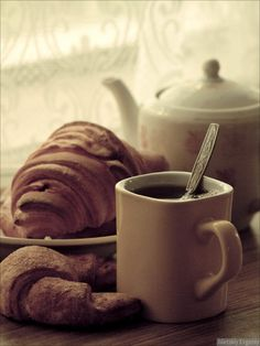 Coffee And Croissants #coffee, #drinks, #pinsland, https://apps.facebook.com/yangutu