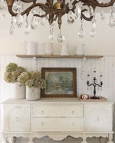 Could it get any prettier than this classy farmhouse view? Something about it is just calming to the soul. That's why Tracey @tracey_hiebert is this weeks feature for #myauthenticfarmhouse . We all just love Tracey's style and beautiful home! She is definitely #onetofollow. ❤️ . A huge thank you to talented Resa @thefarmhouse31 for joining us this past week. .  Could it get any prettier than this classy farmhouse view? Something about it is just calming to the soul. That's why Tracey…