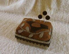 Primitive Folk Art Wool Box Pincushion Bird+Vine Applique Pinkeep+Pins USAPRIM