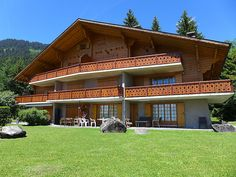 """Argentière 3 - Chalet - VILLARS - Switzerland - 1019 CHF """"Argentière 3"""", 4-room apartment 85 m2, on the ground floor, south facing position. Spacious, comfortable and beautiful furnishings: living/dining room with open-hearth fireplace, dining table, TV an"""