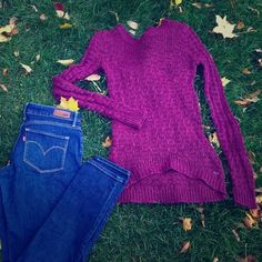 """Maroon Knit Sweater Pre-loved. Price reflects piling. Should to hem = 27"""" front; 30"""" back. High-low. A not-too-hot sweater. If It Were Me Sweaters Crew & Scoop Necks"""