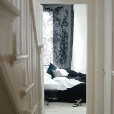really like the dark and like contrasts, kinda like the curtain too