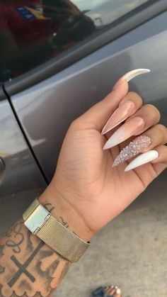 How to choose your fake nails? - My Nails Acrylic Nails Stiletto, Best Acrylic Nails, Acrylic Nail Designs, Coffin Nails, Simple Stiletto Nails, Pointed Nails, Simple Nails, Claw Nails, Aycrlic Nails