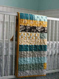 vikki posted Jelly Roll Race quilt (variation - no mitered joins) -- I LOVE this quilt! I think it's perfect colors, perfect size, and perfectly simple - TOTALLY my style. to their -quilting fever- postboard via the Juxtapost bookmarklet. Quilting 101, Quilting For Beginners, Machine Quilting, Quilting Projects, Sewing Projects, Sewing Tips, Sewing Ideas, Jelly Roll Race, Old Quilts